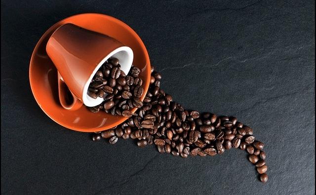 Kaffeevollautomat  – Fit in den Tag